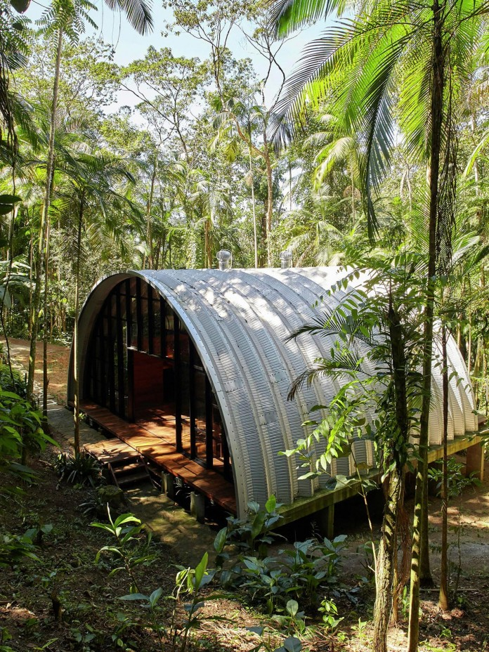 ARCA-home-in-the-middle-of-the-Brazilian-Atlantic-Forest-by-Atelier-Marko-Brajovic-02
