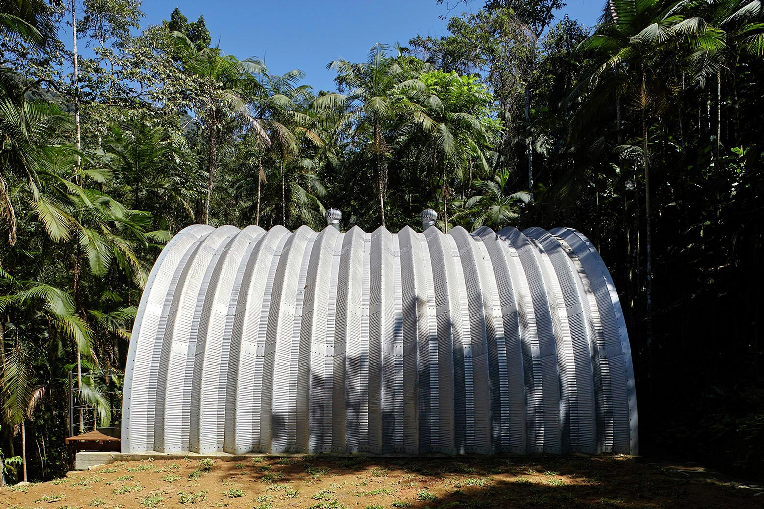 ARCA-home-in-the-middle-of-the-Brazilian-Atlantic-Forest-by-Atelier-Marko-Brajovic-03