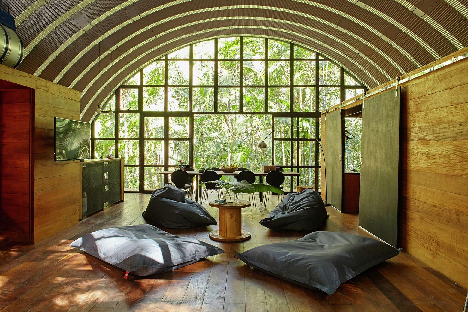 ARCA-home-in-the-middle-of-the-Brazilian-Atlantic-Forest-by-Atelier-Marko-Brajovic-09