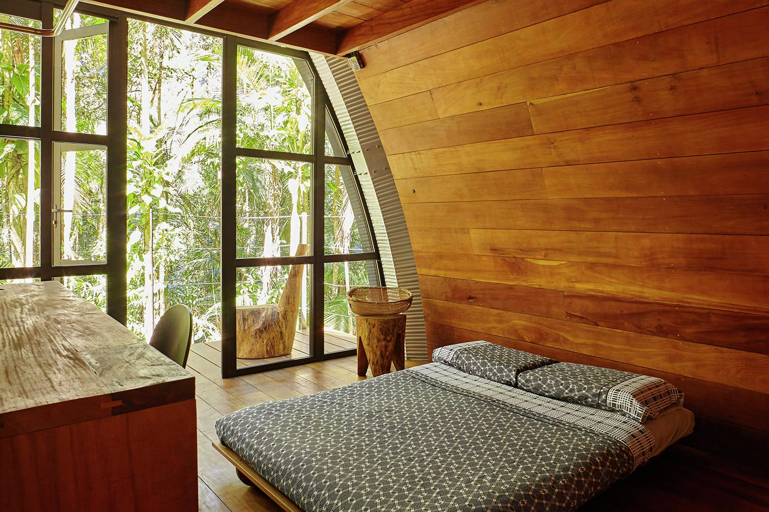 ARCA-home-in-the-middle-of-the-Brazilian-Atlantic-Forest-by-Atelier-Marko-Brajovic-12