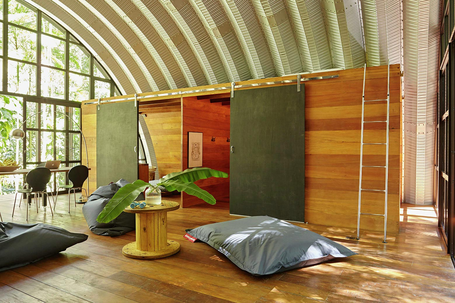 ARCA-home-in-the-middle-of-the-Brazilian-Atlantic-Forest-by-Atelier-Marko-Brajovic-13