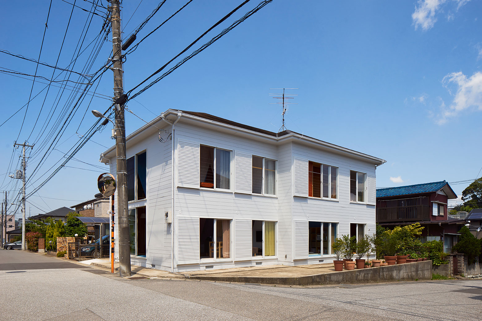 Apartment – House in Tokyo by Kochi Architect's Studio-02