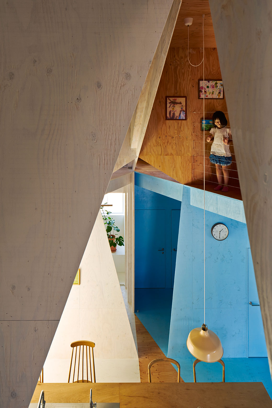 Apartment – House in Tokyo by Kochi Architect's Studio-08