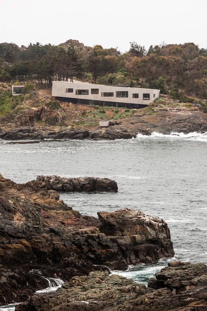 Bahia Azul House by Felipe Assadi & Francisca Pulido-03
