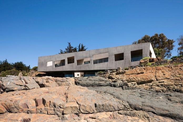 Bahia Azul House by Felipe Assadi & Francisca Pulido-04