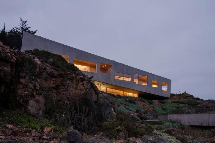 Bahia Azul House by Felipe Assadi & Francisca Pulido-21