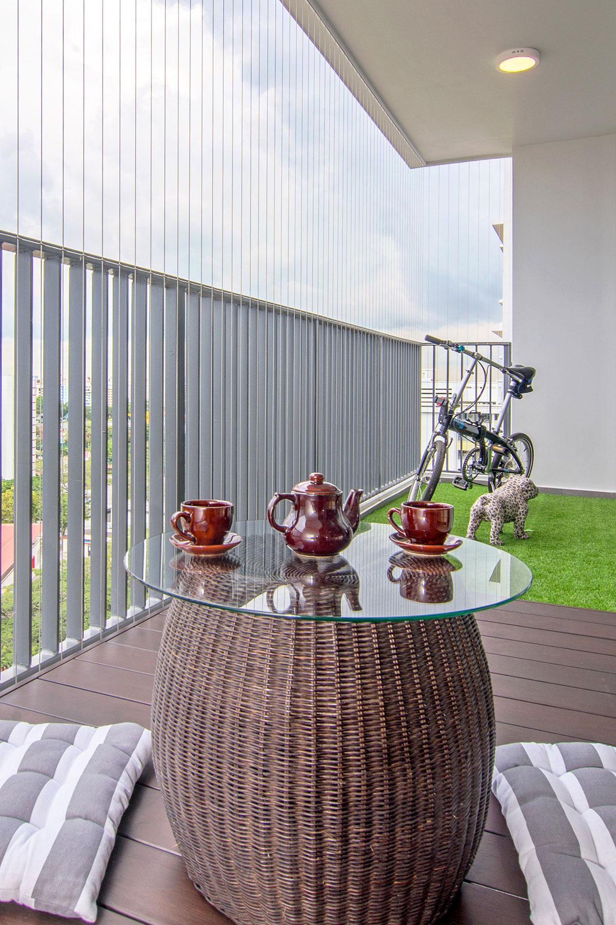Beach house urban apartment in Singapore by Vievva Designers-01