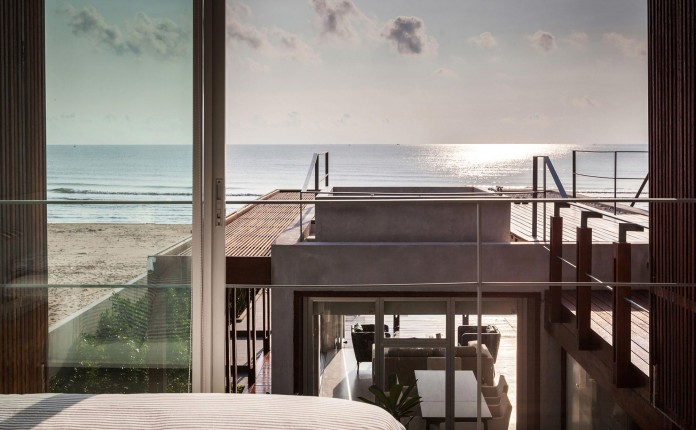 Beachfront-residence-for-an-interethnic-family-of-four-by-Beautbureau-10