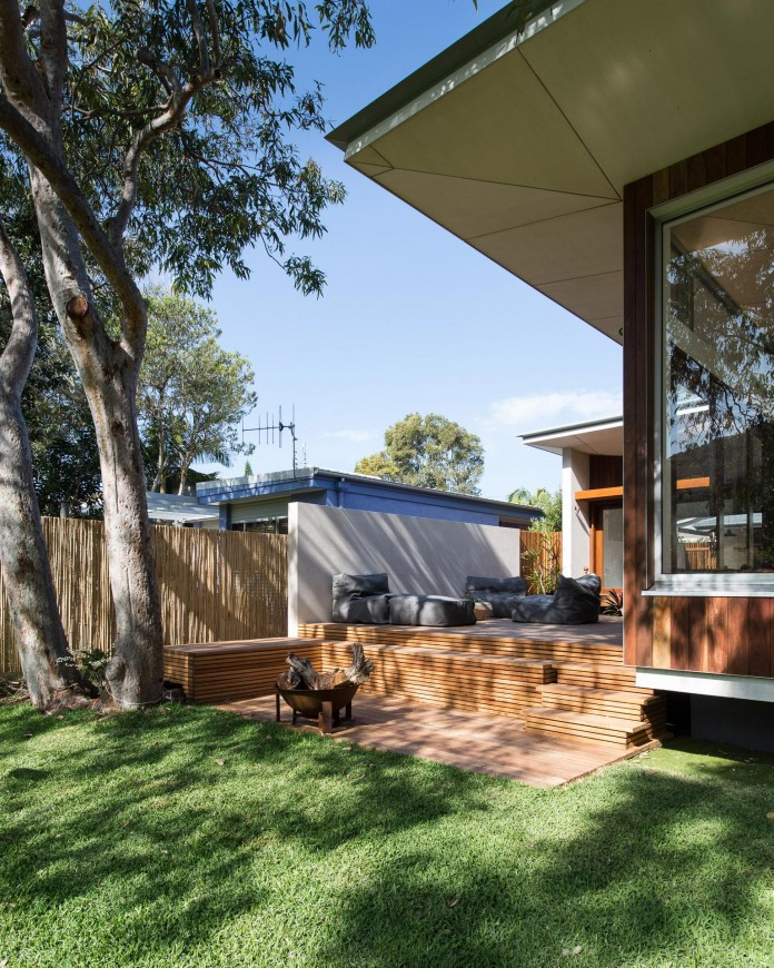 Blueys Beach House 4 by Bourne Blue Architecture-03