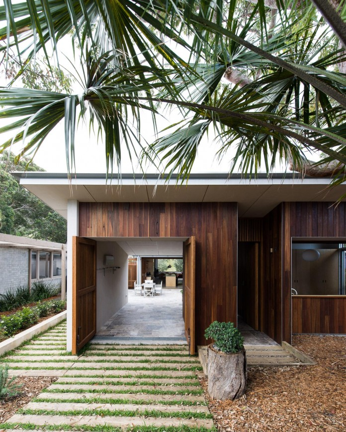 Blueys Beach House 4 by Bourne Blue Architecture-05