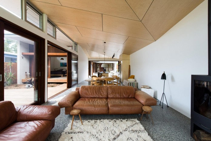 Blueys Beach House 4 by Bourne Blue Architecture-10