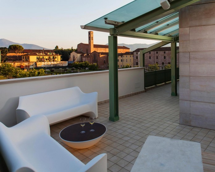 Canticle-modern-apartment-in-the-historical-center-of-Lucca-by-Studiòvo-05