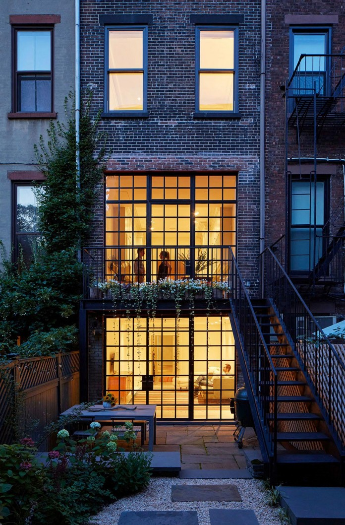 Carroll-Gardens-Townhouse-by-Lang-Architecture-18