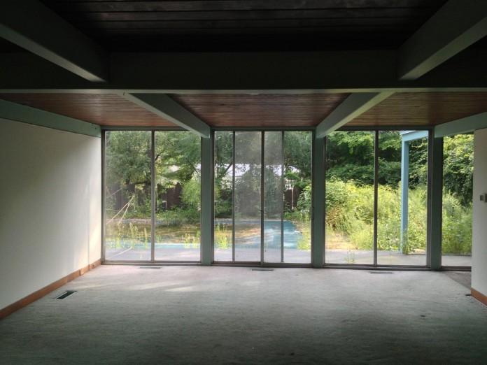 Chestnut-Hill-Modern-Renovation-by-Hammer-Architects-03