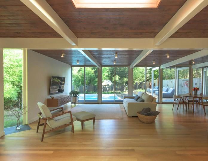 Chestnut-Hill-Modern-Renovation-by-Hammer-Architects-06