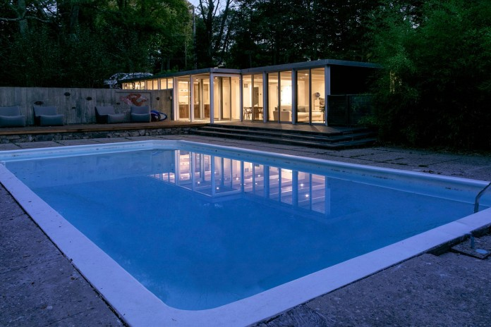 Chestnut-Hill-Modern-Renovation-by-Hammer-Architects-13
