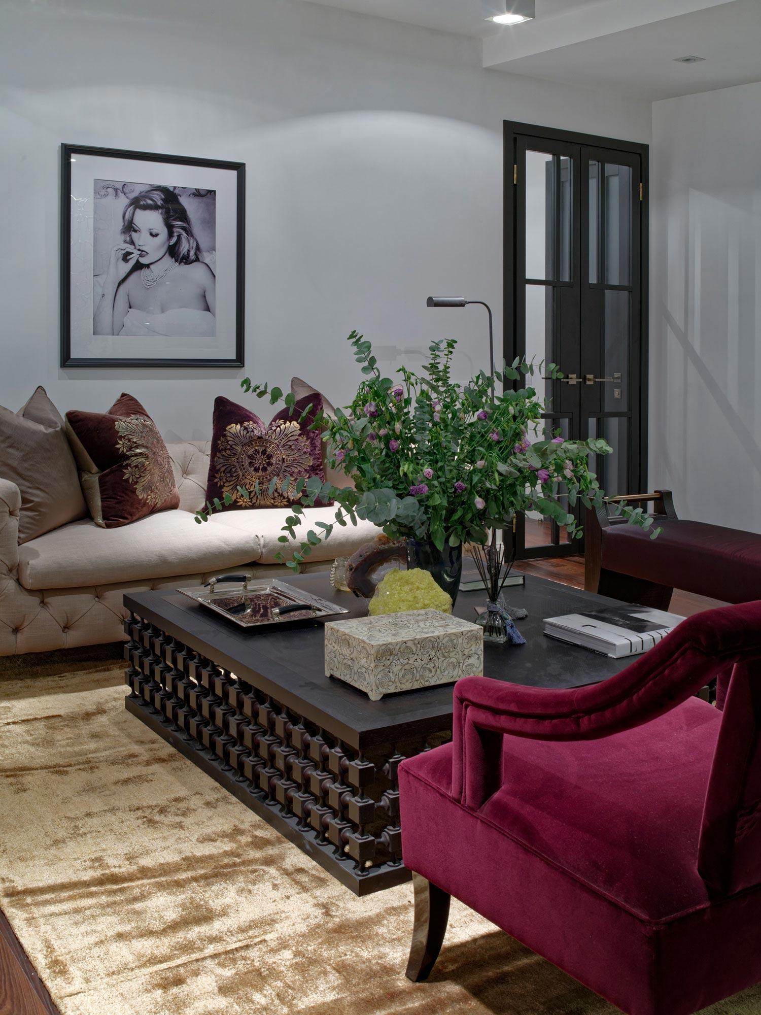 Elegant One-bedroom Apartment In Kiev By Absolute Interior