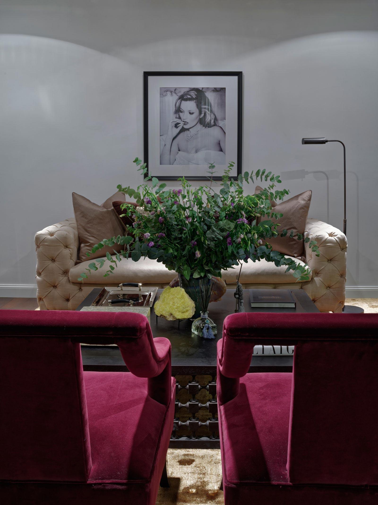elegant one-bedroom apartment in kievabsolute interior decor