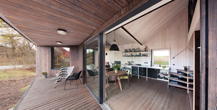 Energy-Efficient-Wooden-House-Zilvar-03