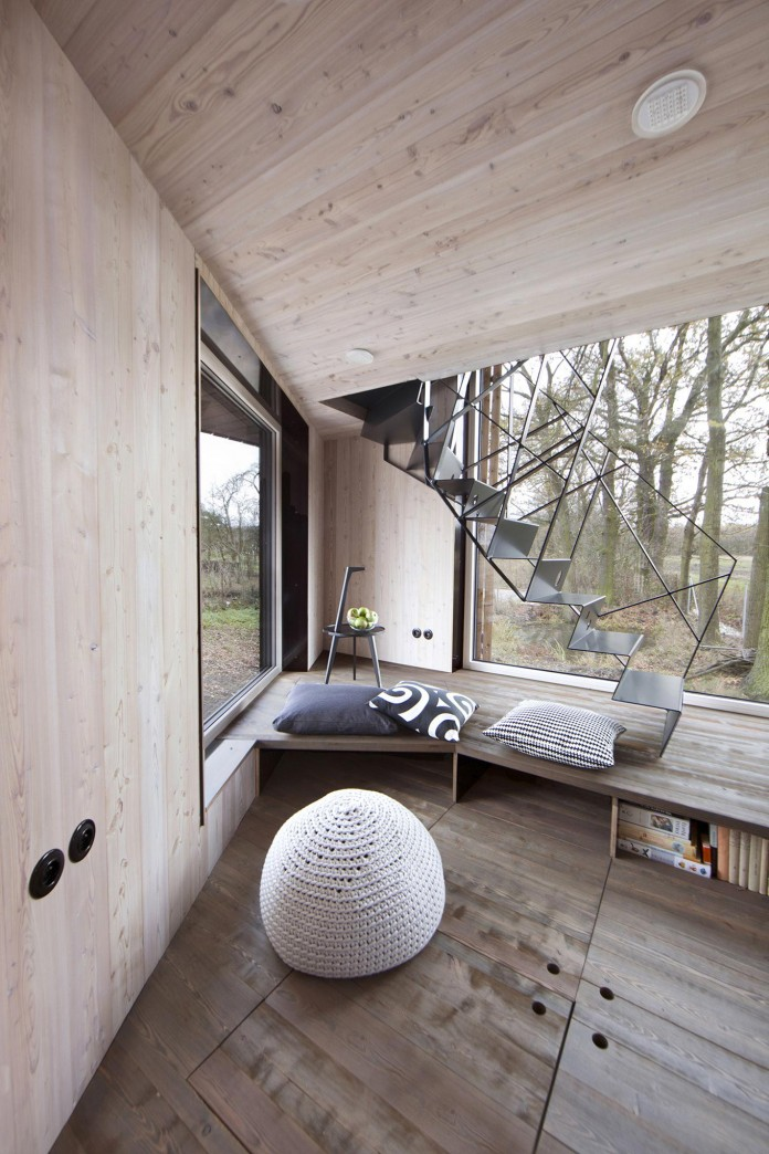 Energy-Efficient-Wooden-House-Zilvar-04