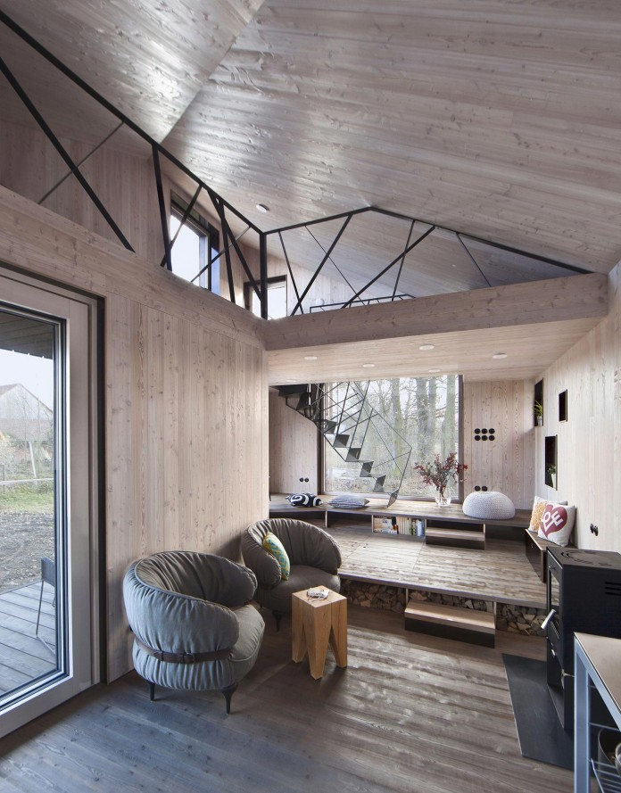 Energy-Efficient-Wooden-House-Zilvar-05