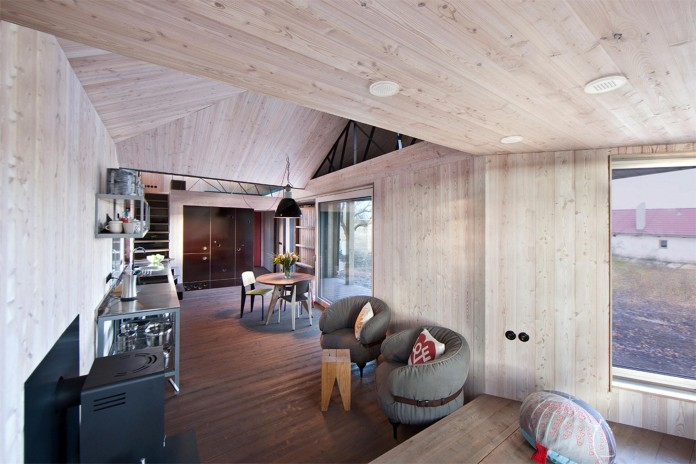 Energy-Efficient-Wooden-House-Zilvar-06