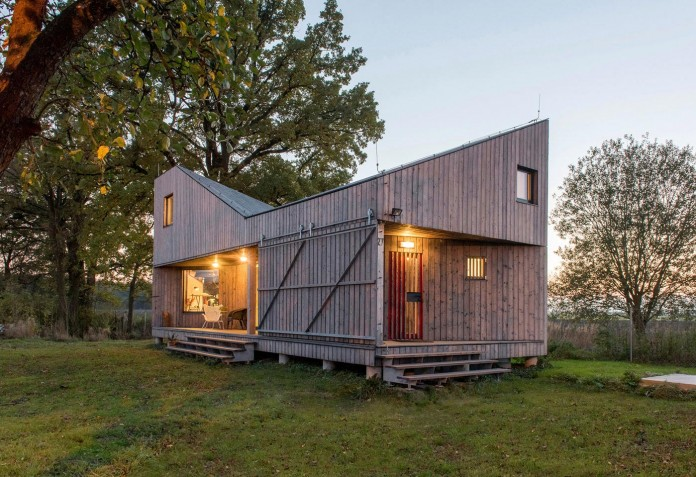 Energy-Efficient-Wooden-House-Zilvar-12