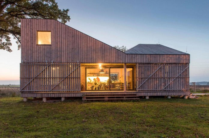 Energy-Efficient-Wooden-House-Zilvar-14