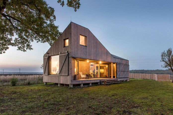 Energy-Efficient-Wooden-House-Zilvar-15
