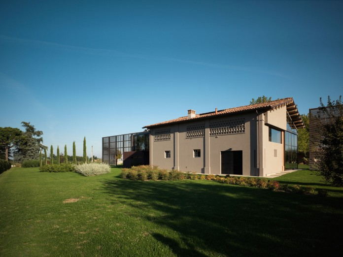Farmhouse converted into contemporary residence by Bartoletti Cicognani-01