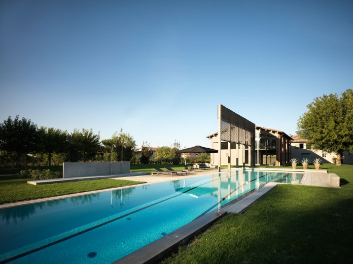Farmhouse converted into contemporary residence by Bartoletti Cicognani-02