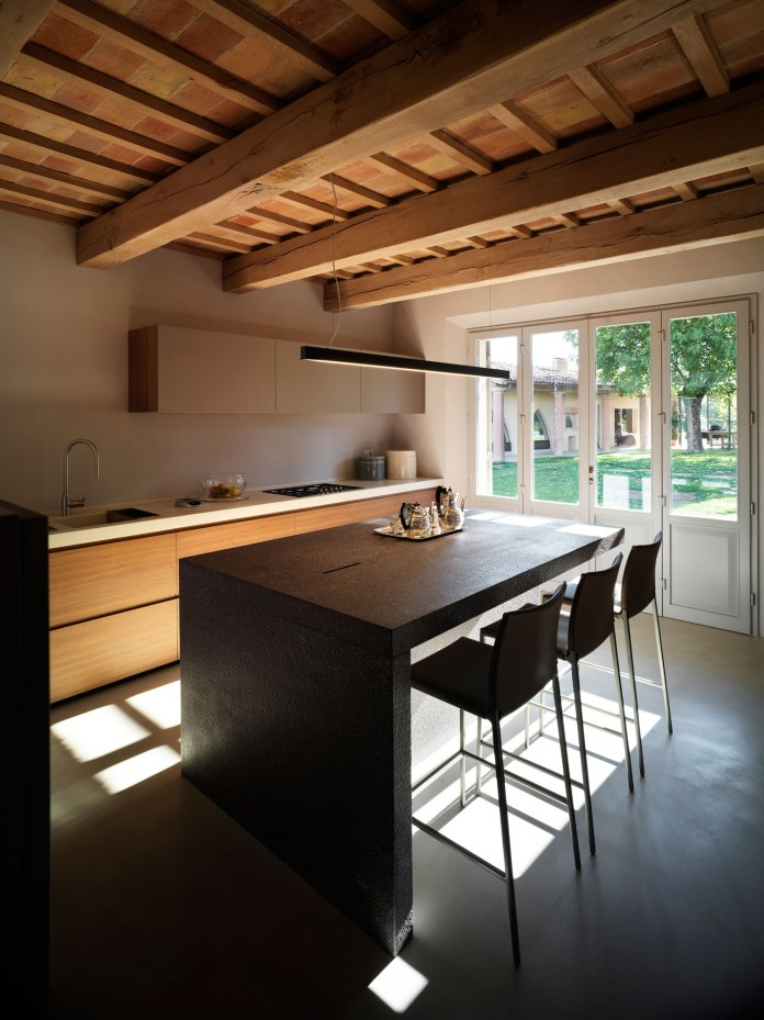 Farmhouse converted into contemporary residence by Bartoletti Cicognani-09