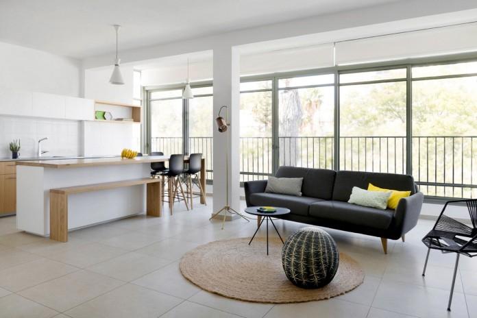 HaGat-white-apartment-in-Ramat-Gan-by-Itai-Palti-02