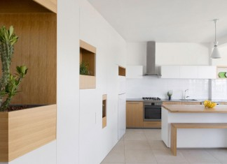 HaGat white apartment in Ramat Gan by Itai Palti