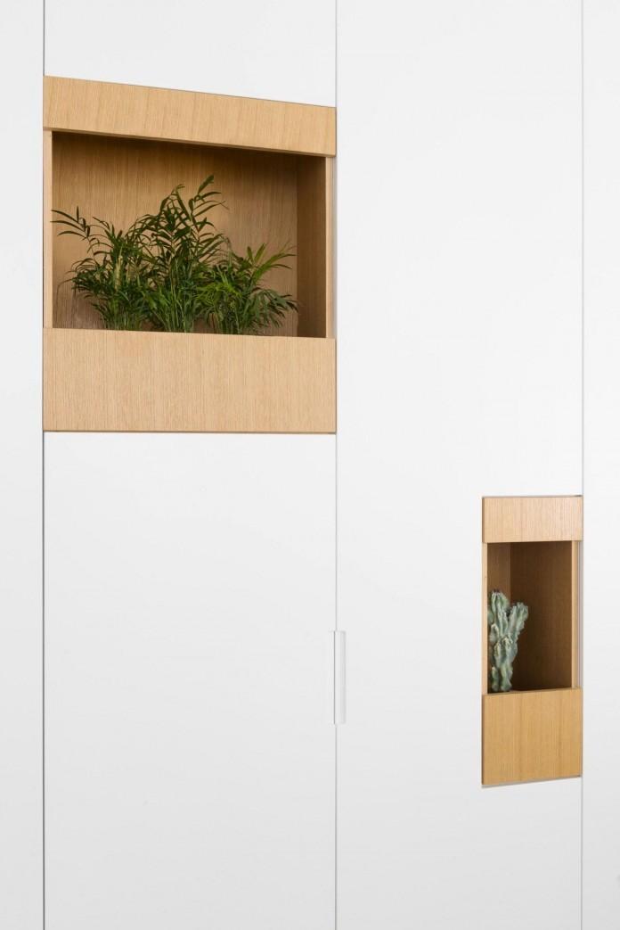 HaGat-white-apartment-in-Ramat-Gan-by-Itai-Palti-05