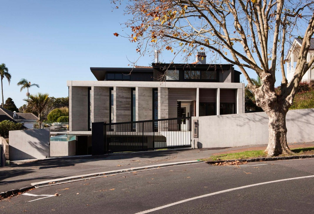 Herne Bay Rd Residence by Daniel Marshall Architects