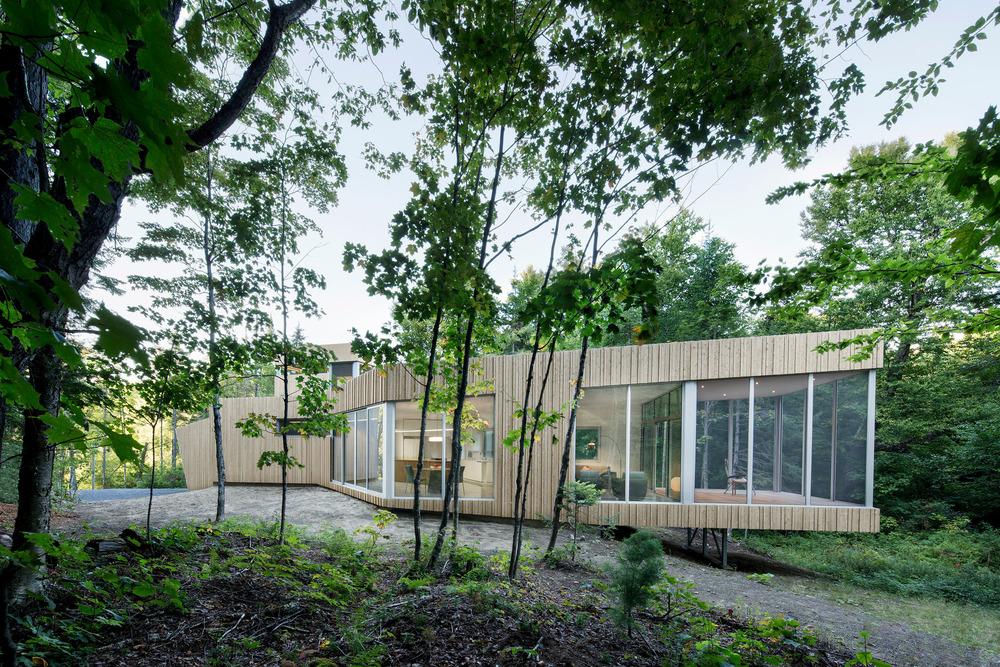 House on Lac Grenier by Paul Bernier Architecte-01