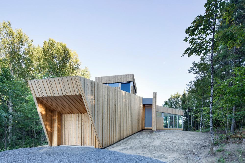 House on Lac Grenier by Paul Bernier Architecte-03