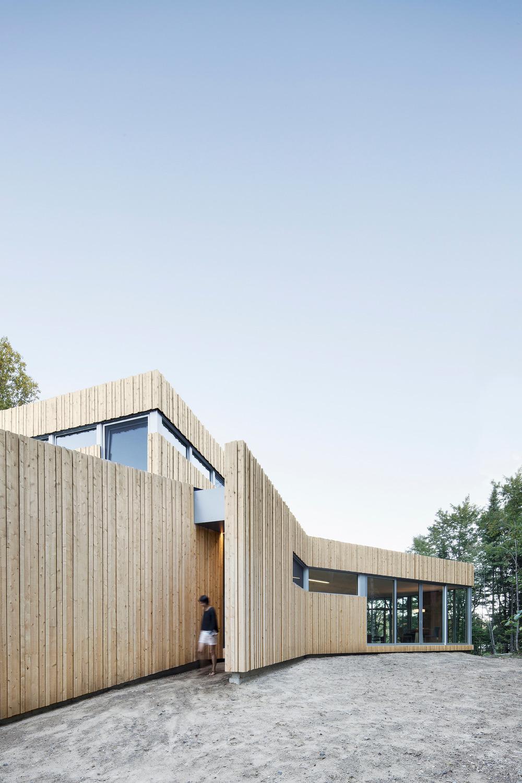 House on Lac Grenier by Paul Bernier Architecte-04