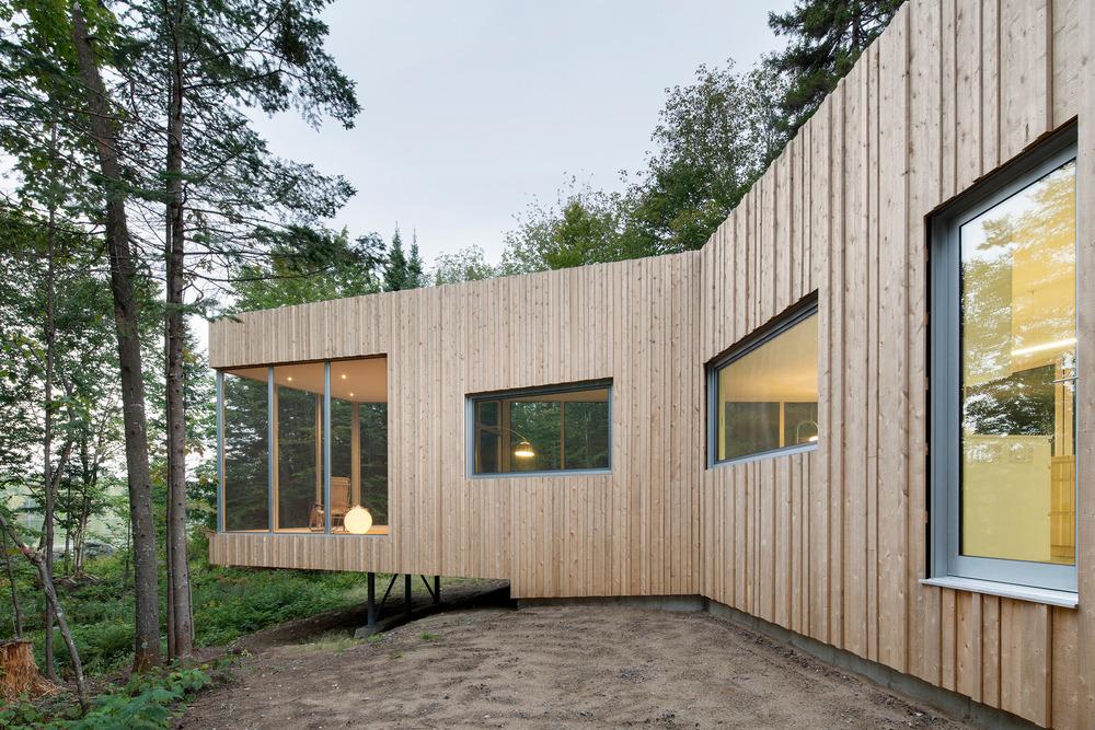 House on Lac Grenier by Paul Bernier Architecte-05