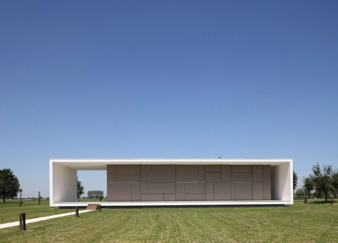House-on-the-Stream-Morella-by-Andrea-Oliva-02