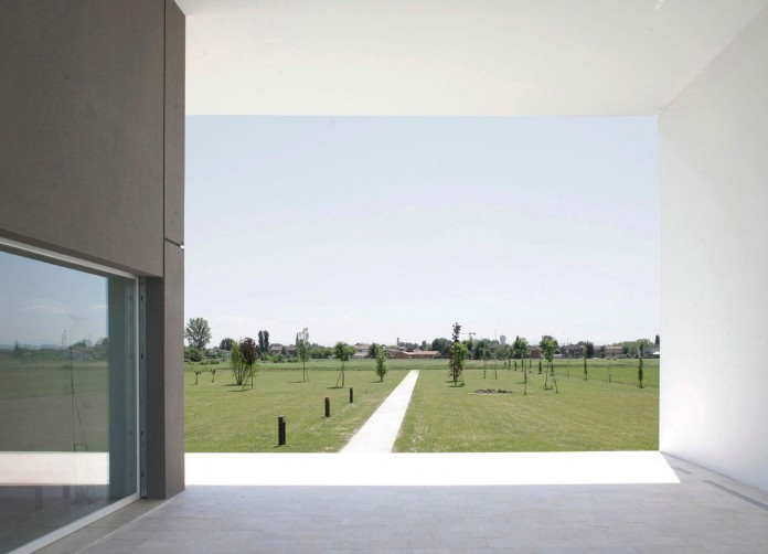 House-on-the-Stream-Morella-by-Andrea-Oliva-06