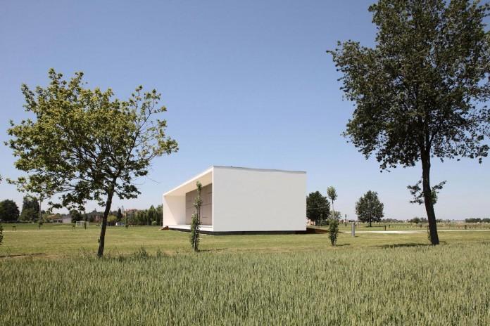 House-on-the-Stream-Morella-by-Andrea-Oliva-07