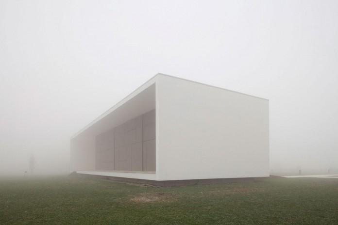 House-on-the-Stream-Morella-by-Andrea-Oliva-08