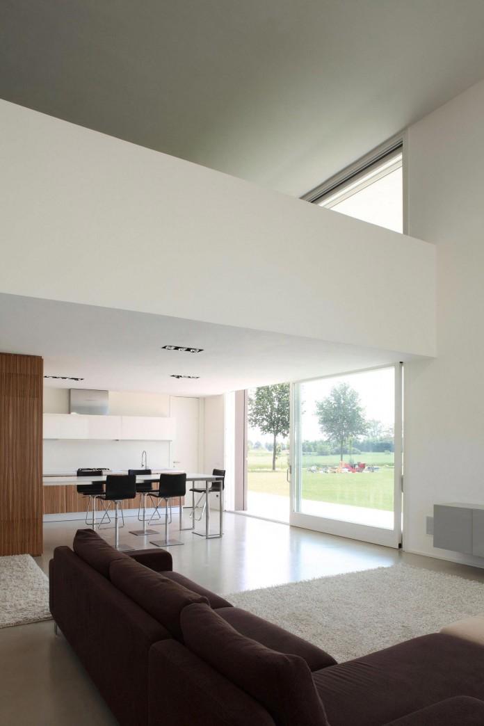House-on-the-Stream-Morella-by-Andrea-Oliva-10
