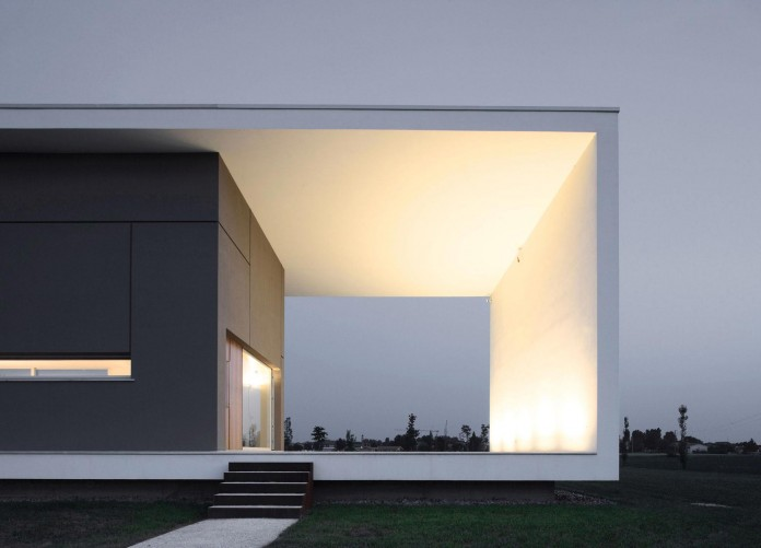 House-on-the-Stream-Morella-by-Andrea-Oliva-12