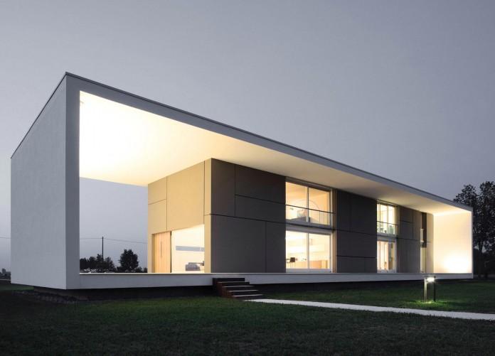House-on-the-Stream-Morella-by-Andrea-Oliva-13