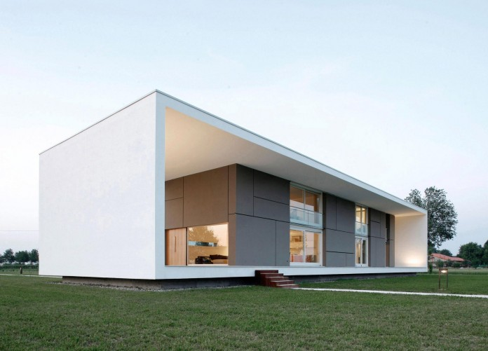 House-on-the-Stream-Morella-by-Andrea-Oliva-14