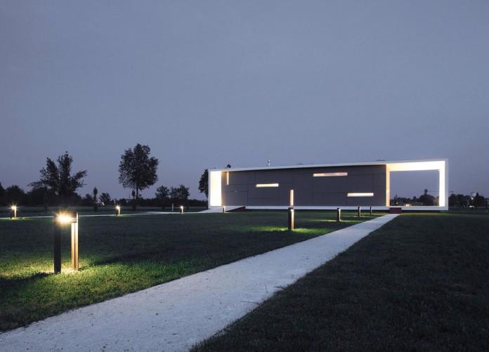 House-on-the-Stream-Morella-by-Andrea-Oliva-15