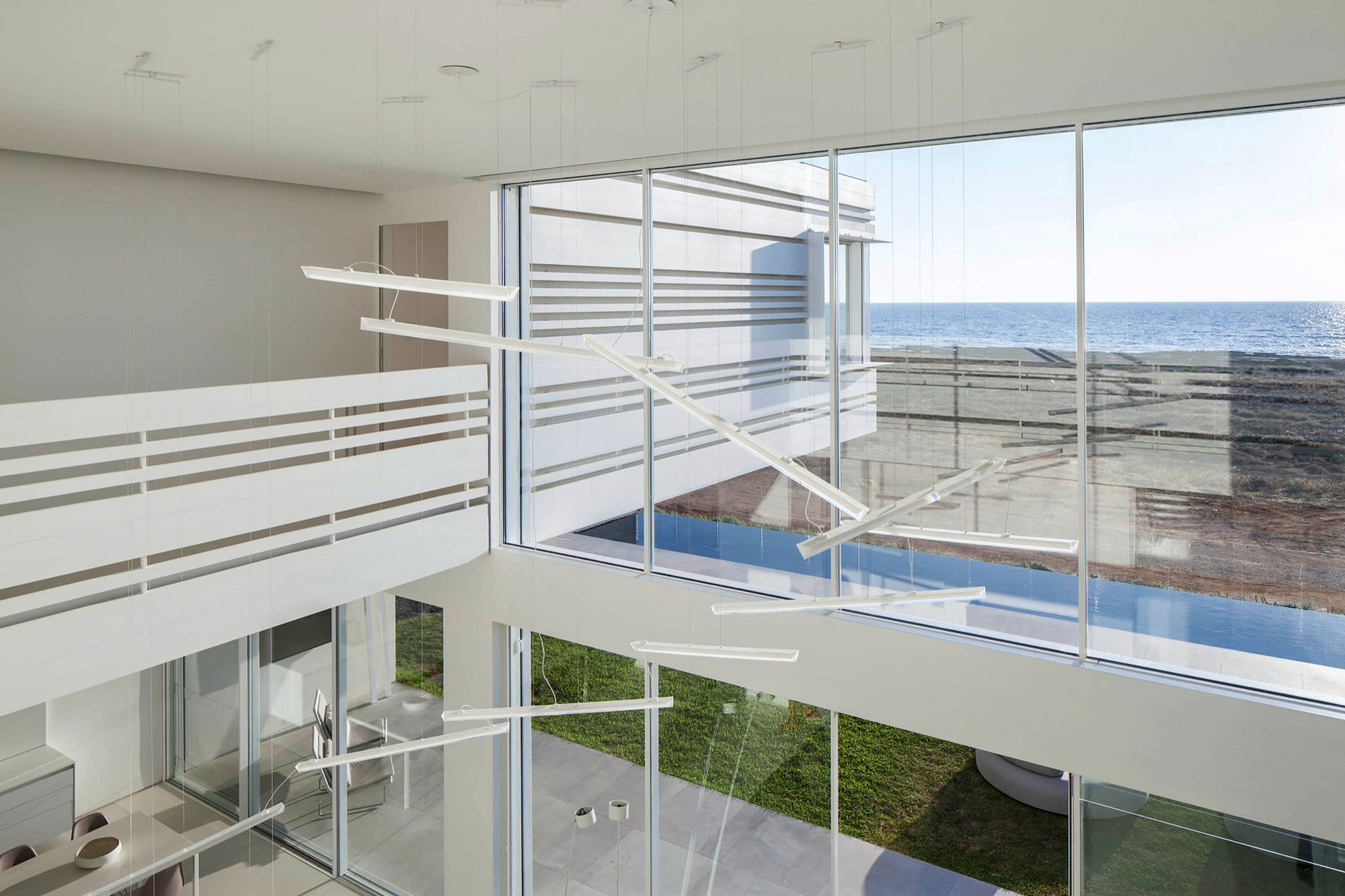 Luminous A House by the Sea home with Mediterranean Sea views by Pitsou Kedem Architects-18